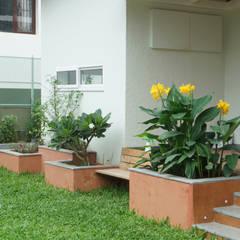 Jardines de estilo  por iammies Landscapes