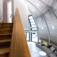 Скай 10,5 в Архангельском: Лестницы в . Автор – Скайдом, Модерн