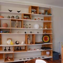 Estante Rubic: Hotéis  por Natural Craft - Handmade Furniture