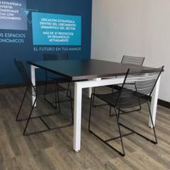 Sillas Mesa de Juntas - Sala de Juntas: Oficinas y Tiendas de estilo  por Mental Design