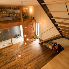 y house: Takeru Shoji Architects.Co.,Ltdが手掛けたフローリングです。