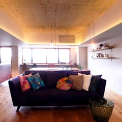 Livings de estilo  por Takeru Shoji Architects.Co.,Ltd,