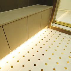 골드 컨셉, 인천 만수동 상가주택 인테리어: 디자인 아버의  복도 & 현관