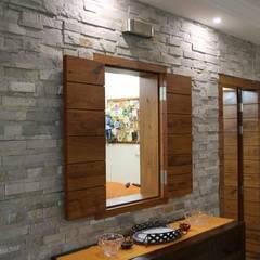 Turn-key solutions: modern Bathroom by Urban Projets