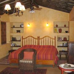 Dormitorio: Dormitorios de estilo  de Mirasur Proyectos S.L.