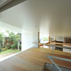 Pisos de estilo  por Takeru Shoji Architects.Co.,Ltd