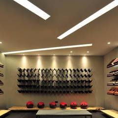 minimalistic Wine cellar by 黃耀德建築師事務所  Adermark Design Studio