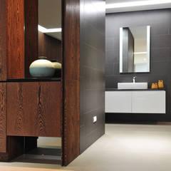 室內設計 成功 WL House:  浴室 by 黃耀德建築師事務所  Adermark Design Studio