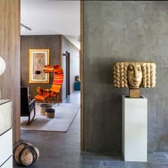 CASA VF: Ingresso & Corridoio in stile  di Moretti MORE