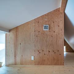 西の宮・HOUSE・D: 吉田裕一建築設計事務所が手掛けた子供部屋です。