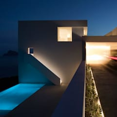 Infinity pool by FRAN SILVESTRE ARQUITECTOS