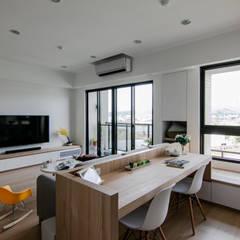 Study/office by 拓雅室內裝修有限公司