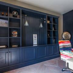 High End Residence:  Study/office by Pfeiffer Design Ltd