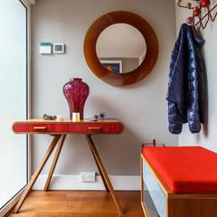 Mid Century Eclectic:  Corridor & hallway by Pfeiffer Design Ltd, Eclectic