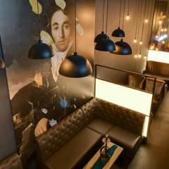 Картины в интерьере кальянной ART HOUSE: Бары и клубы в . Автор – Art-i-Chok