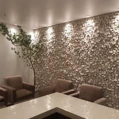 اتاق نشیمن توسطRebello Pedras Decorativas