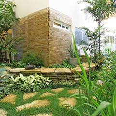 Casa de serra - Guamiranga CE: Jardins de inverno modernos por RI Arquitetura