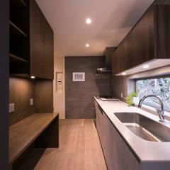 オーダーキッチン: アーキシップス古前建築設計事務所が手掛けたキッチンです。