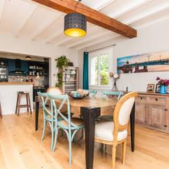 Rénovation de la salle à manger: Salle à manger de style de stile Rural par La Maison Des Travaux du Muretain