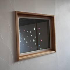 Fenêtres en bois de style  par 株式会社高野設計工房