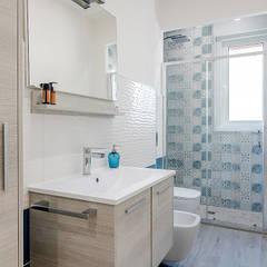 Bathroom by Facile Ristrutturare, Modern