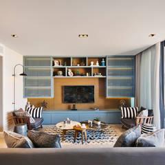 BODRUMBODRUM:  Living room by Esra Kazmirci Mimarlik