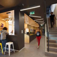 Biura THE SOFTWARE HOUSE w budynku Starej Poczty w Gliwicach: styl , w kategorii Przestrzenie biurowe i magazynowe zaprojektowany przez Zalewski Architecture Group