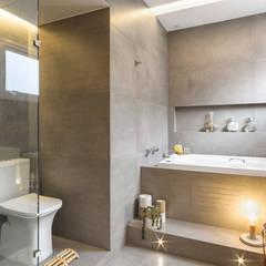 Banheiro dos sonhos: Banheiros minimalistas por Rê Freitas