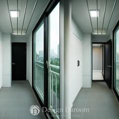 인창동 원일가대라곡 25py: Design Daroom 디자인다룸의  베란다,모던