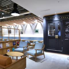 YORKYS BRUNCH 神戸元町店: TRANSFORM  株式会社シーエーティが手掛けたレストランです。,オリジナル