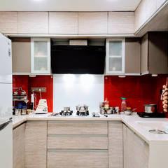 Muebles de cocinas de estilo  por designhood