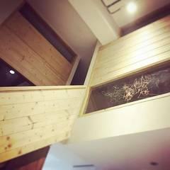 走廊畫室:  走廊 & 玄關 by 圓方空間設計