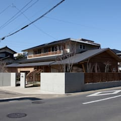 和をしつらえた住まい: 株式会社高野設計工房が手掛けた木造住宅です。,和風