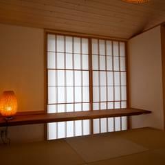 Media room by 株式会社高野設計工房, Asian