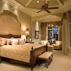 Mediterranean Bedroom:  Bedroom by Subramanian- Homify