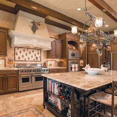 Mediterranean Kitchen:  Kitchen units by Subramanian- Homify