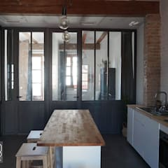 Built-in kitchens by Baobab Arquitectura