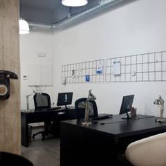 CoWorking: Estudios y despachos de estilo  de Baobab Arquitectura