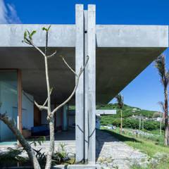 南城市の家: STUDIO COCHI ARCHITECTSが手掛けた一戸建て住宅です。