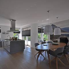 Landelijke woning:  Keuken door Bongers Architecten