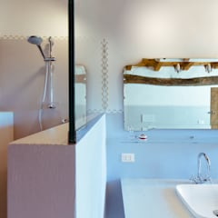 GRS: Bagno in stile  di COBE architetti