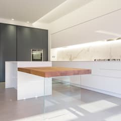 Built-in kitchens by Abitacolo Interni