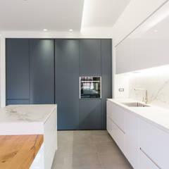 مطبخ ذو قطع مدمجة تنفيذ Abitacolo Interni