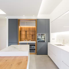 Dapur built in by Abitacolo Interni