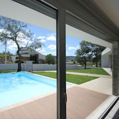 Garden Pool by SOUSA LOPES, arquitectos
