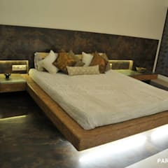 ohm mani padme hum.-mr & mrs. khanna's charming home.: modern Bedroom by SPACCE INTERIORS