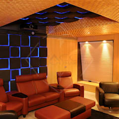 yes to the river:  Media room by SPACCE INTERIORS