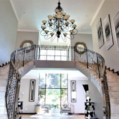 Interior Design and Decor:  Corridor & hallway by Motama Interiors and Exteriors