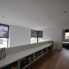 Villa Rotterdam:  Gang en hal door Bongers Architecten