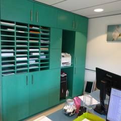 backoffice kast: moderne Studeerkamer/kantoor door Bob Nisters